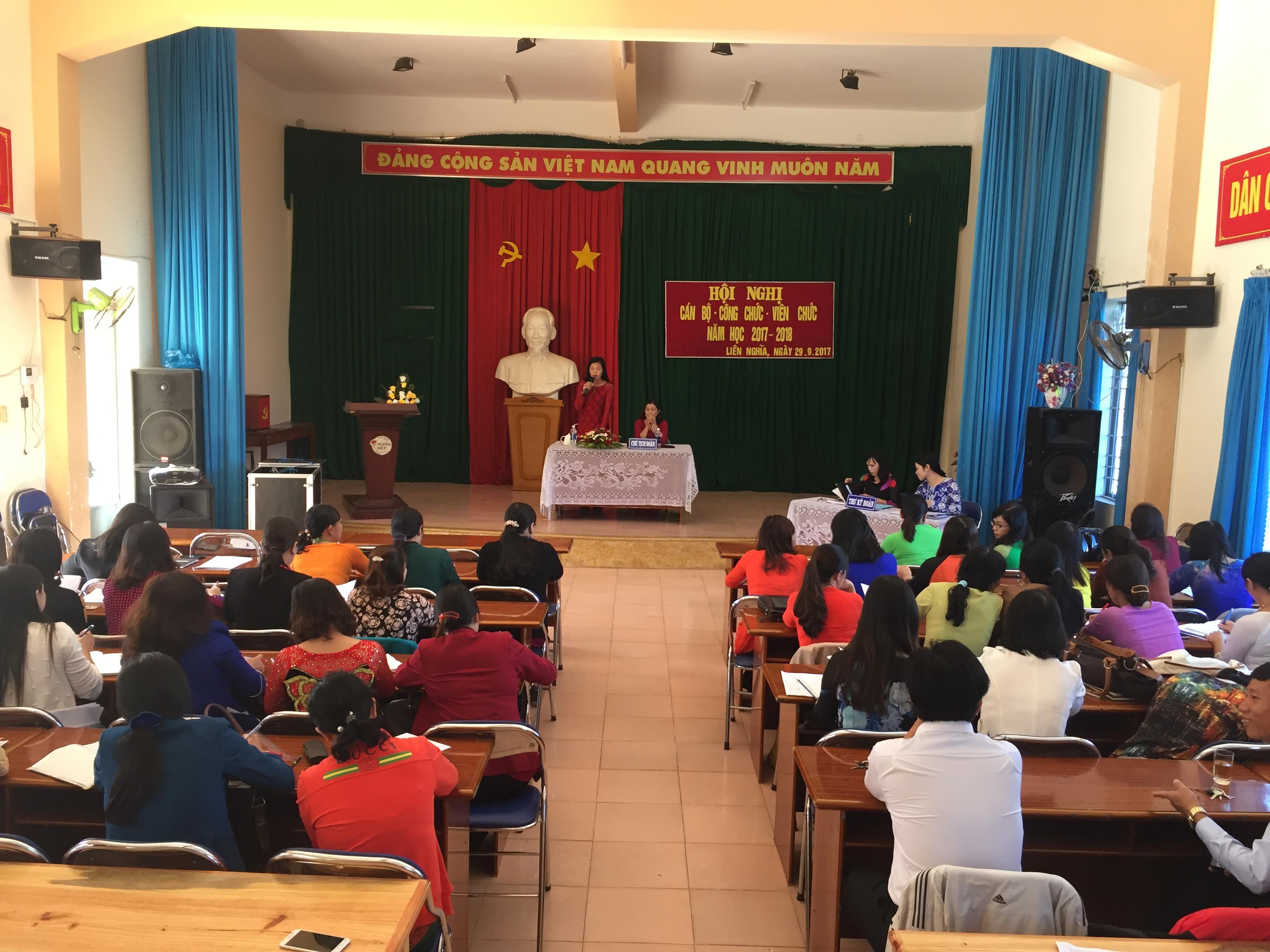Hội nghị cán bộ công chức – Viên chức TH Nghĩa Hiệp 2017 – 2018